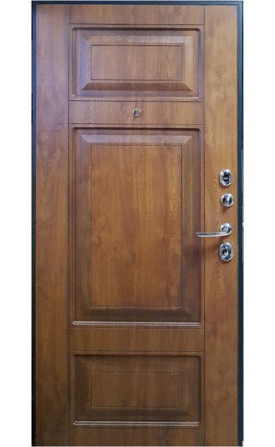 Входная дверь Форт в Симферополе